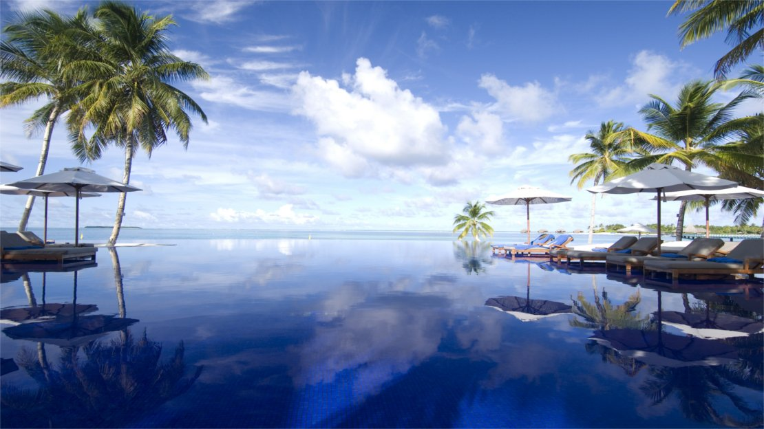 1/15  Conrad Maldives Rangali Island Infinity Pool