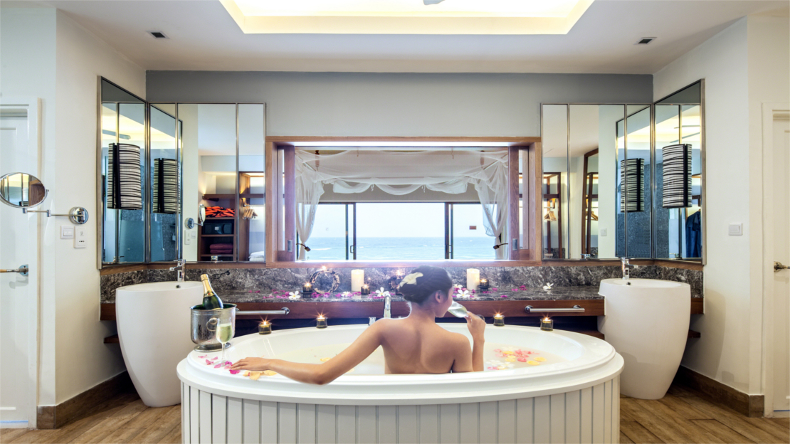 Sunset Ocean Pool Villa