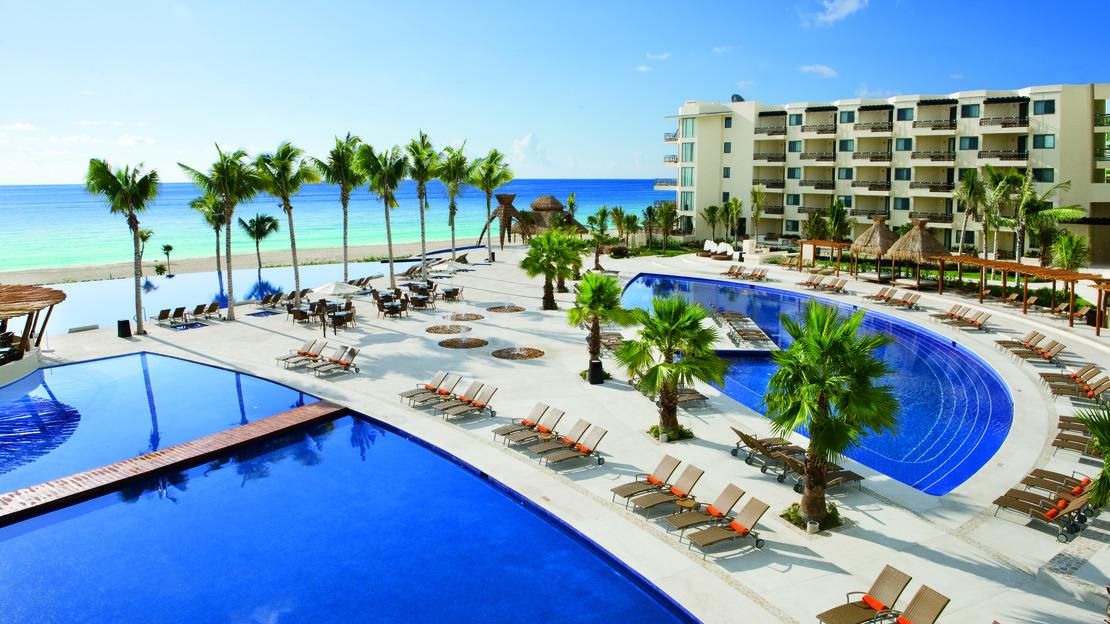 1/16  Dreams Riviera Cancun Resort and Spa - Mexico