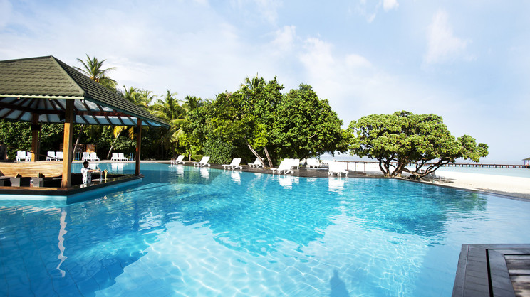 1/11  Adaaran Select Meedhupparu Resort - Maldives