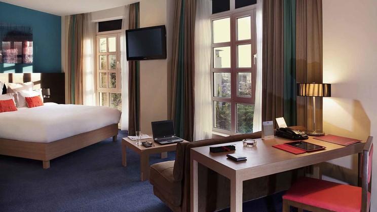 1/4  Mercure Hanoi La Gare Hotel - Vietnam