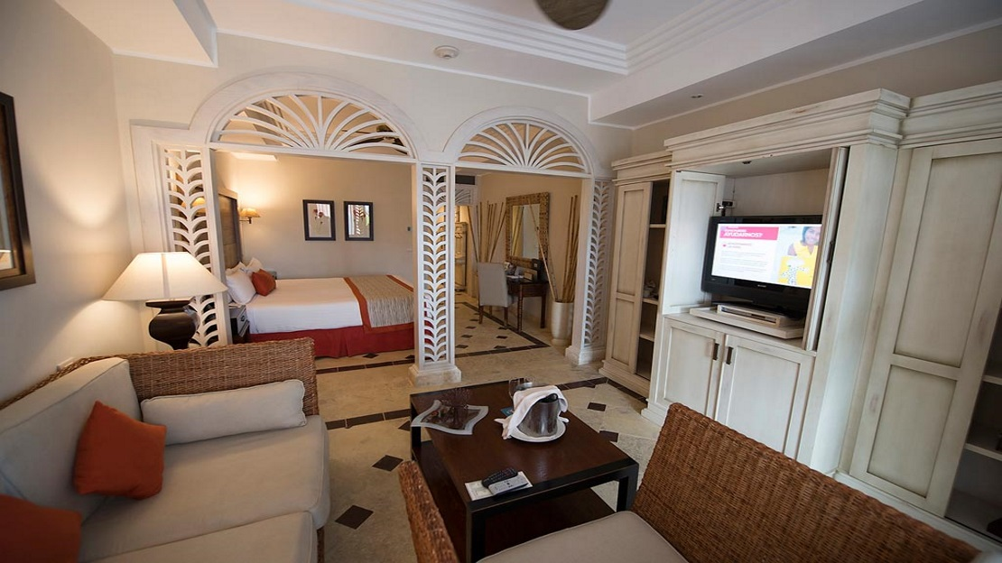 Premium Beachfront Junior Suite