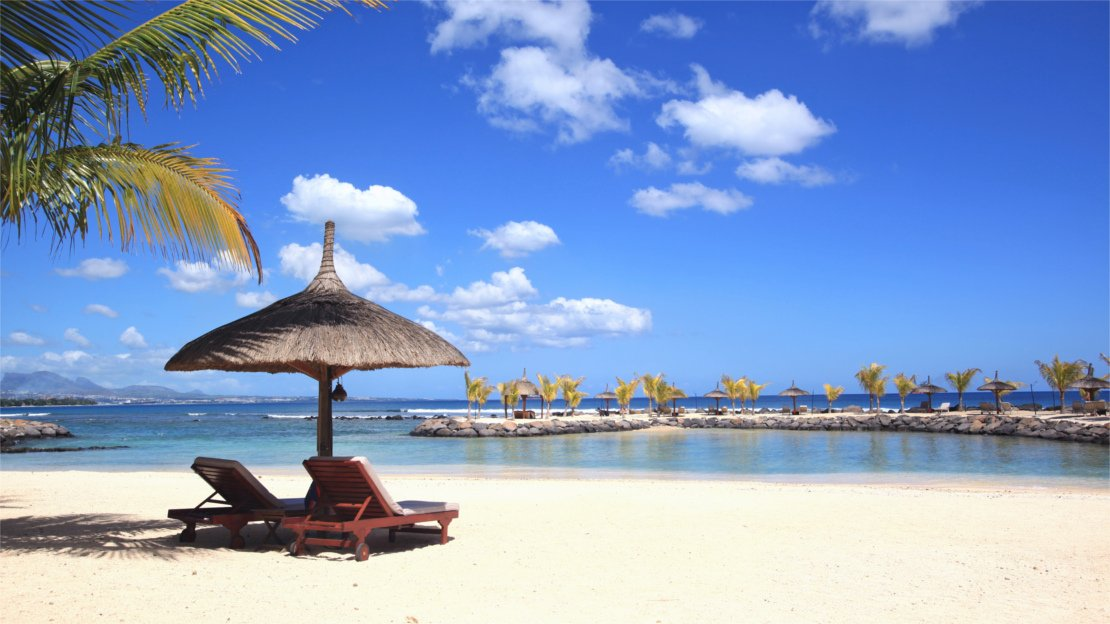 1/13  Beach at Intercontinental Mauritius Resort Balaclava Fort