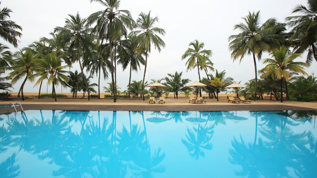 1/14  Swimming Pool at AVANI Kalutara Resort - Sri Lanka