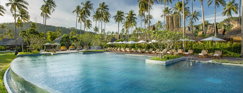1/19  Phi Phi Island Village Beach Resort - Thailand