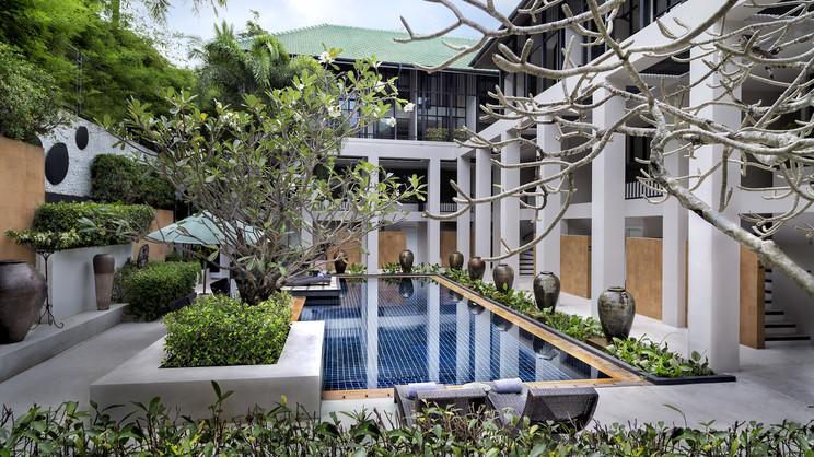 1/12  Manathai Surin Phuket - Phuket