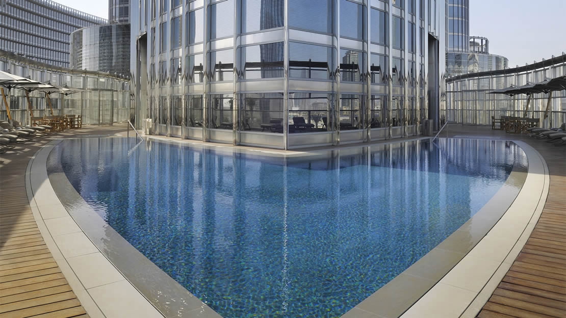 1/8  Armani Hotel - Pool