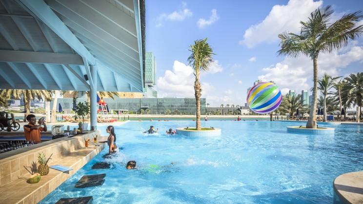 1/8  Beach Rotana - Abu Dhabi