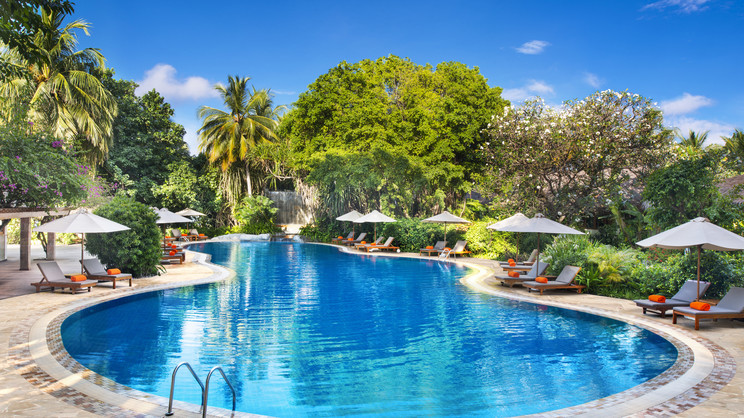 1/16  Sheraton Maldives Full Moon Resort and Spa - Maldives
