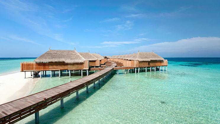 1/17  Constance Moofushi - Maldives