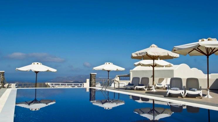 1/7  Petit Palace - Santorini