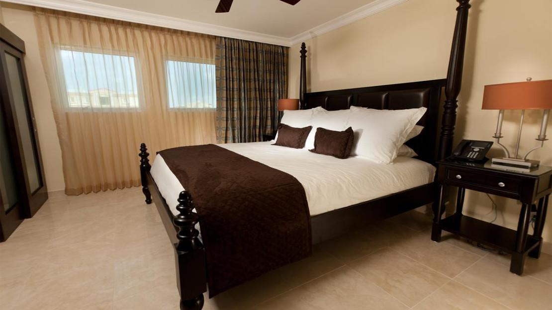 One Bedroom Bayview Suite