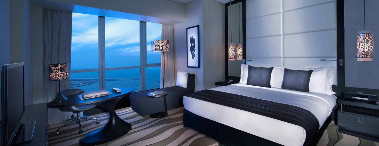 1/8  Sofitel Abu Dhabi Corniche Hotel