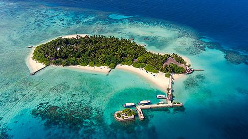 Aerial of Makunudu Island