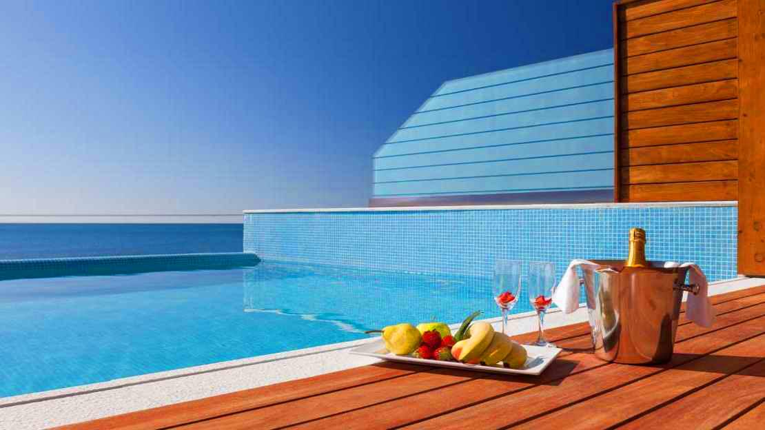Superior Junior Suite Private Pool Upper Floor with Sea View