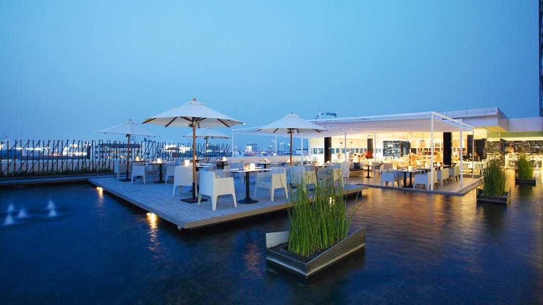 1/23  Centara Watergate Pavillion Hotel Bangkok - Thailand