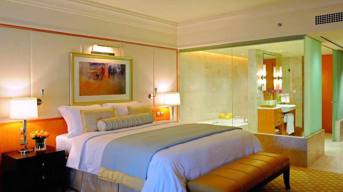1/6  Deluxe Rooms