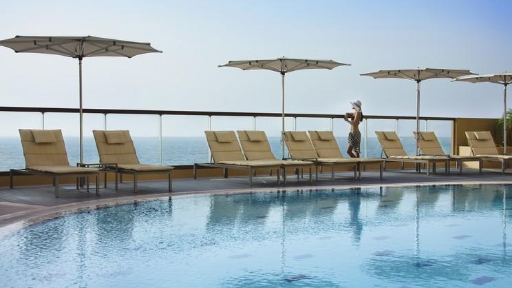 1/13  Amwaj Rotana, Jumeirah Beach - Dubai