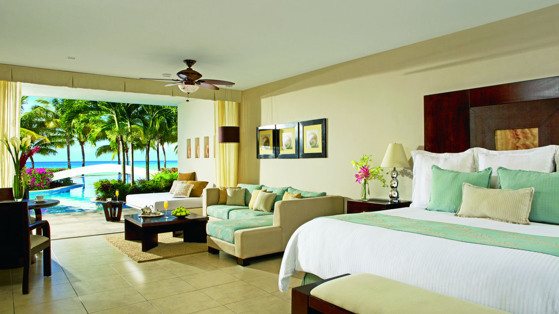 Junior Suite Swim-Up Ocean View
