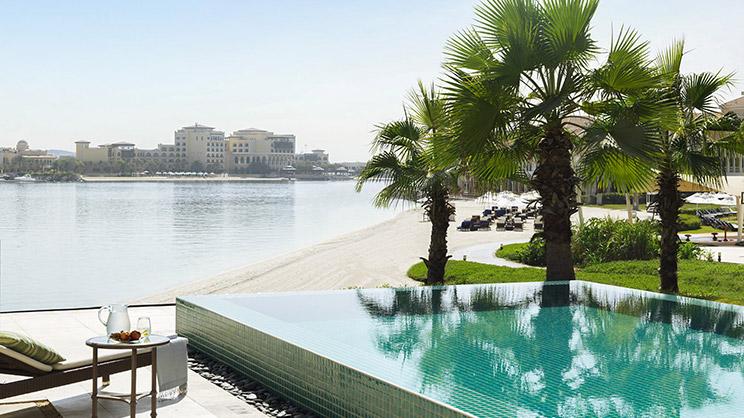 1/5  Ritz Carlton Abu Dhabi
