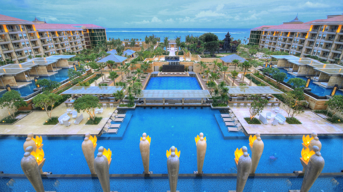 1/7  Mulia Resort - Bali