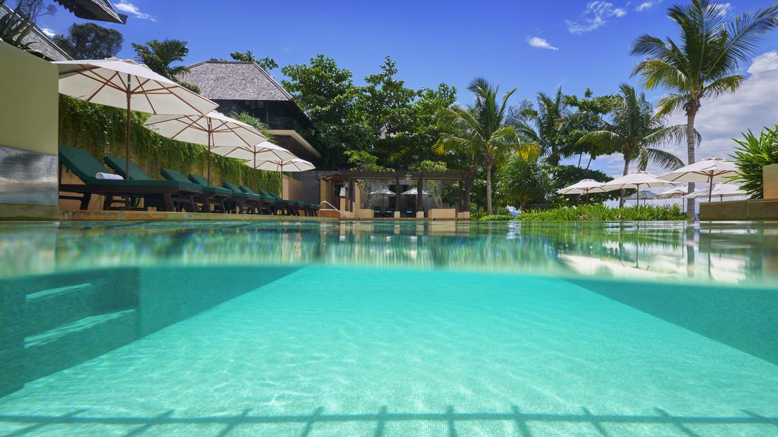 1/11  Gaya Island Resort - Borneo