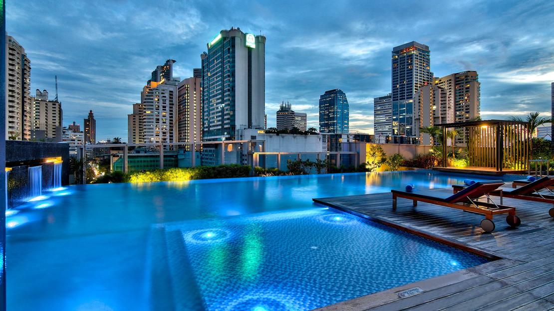 1/18  Radisson Blu Plaza Bangkok - Thailand