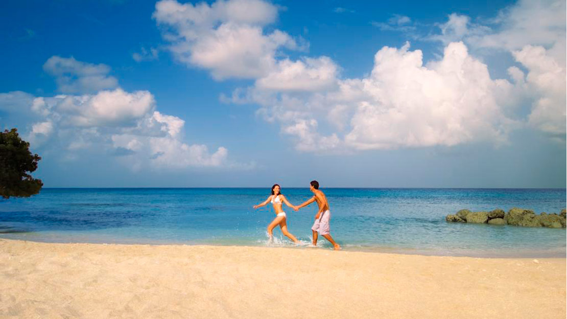 The beach - Almond Beach Resort, Barbados