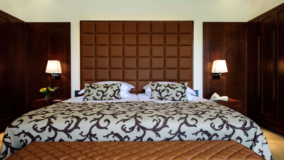 Demi Suites