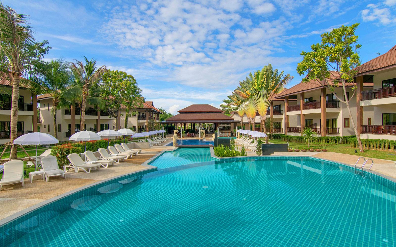 1/8  The Leaf Oceanside - Thailand