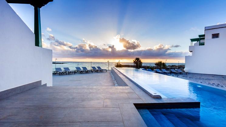 1/9  Barcelo Teguise Beach Hotel - Lanzarote