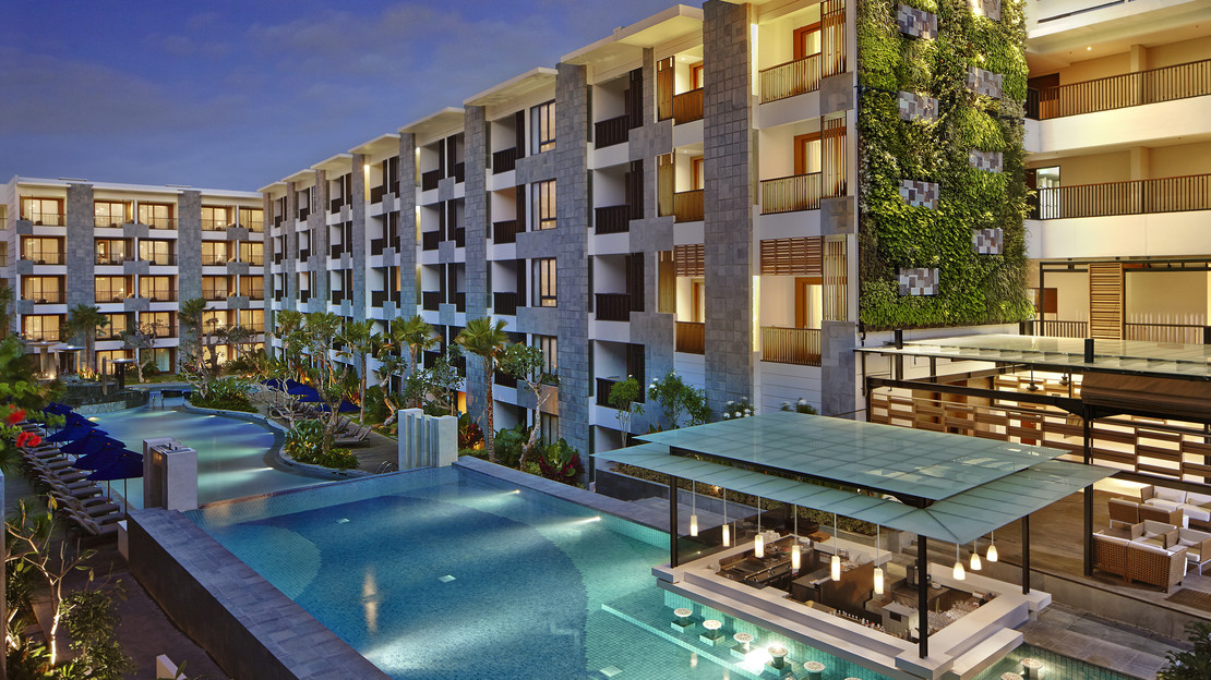1/9  Courtyard by Marriott Bali Seminyak Resort