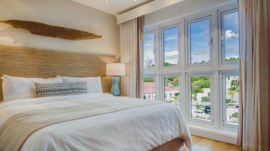 Standard Split-Level Room