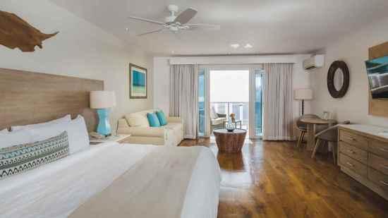 Oceanfront Junior Suite