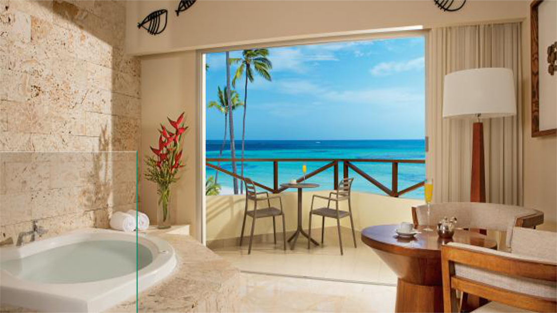 Sun Club Deluxe Jacuzzi Tropical View