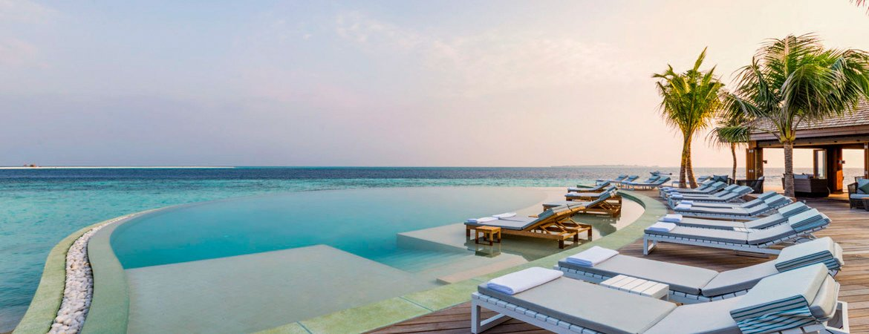 1/14  Hurawalhi Resort - Maldives