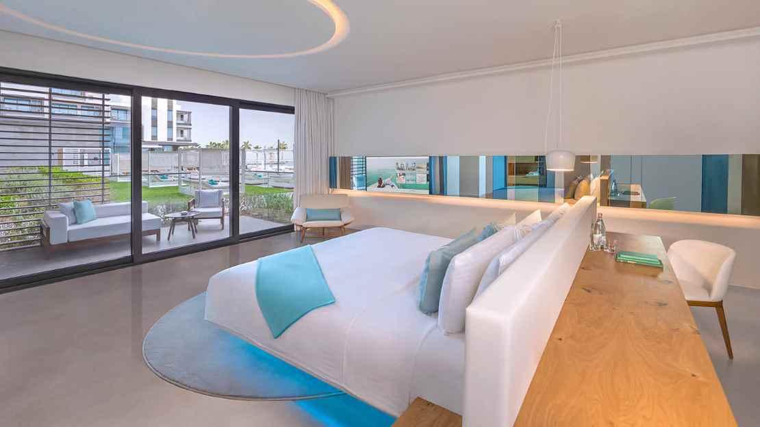 Luux Room