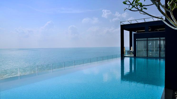1/10  Movenpick Hotel Colombo - Sri Lanka