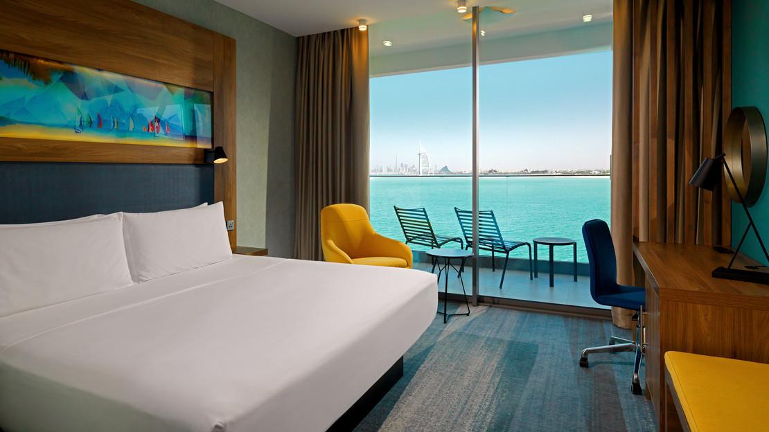 Aloft Sea View Room