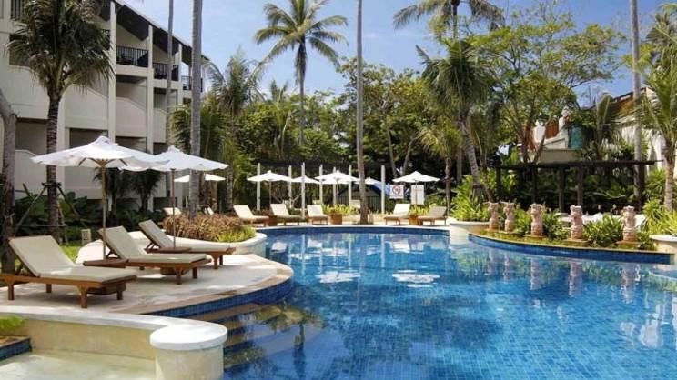 1/8  Horizon Karon Beach Resort - Phuket