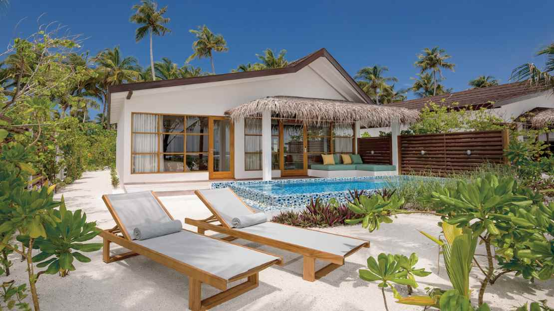 Beach Family Suites with Pool