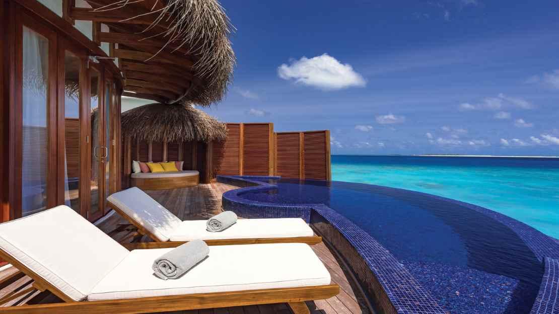 Honeymoon Water Suites with Pool