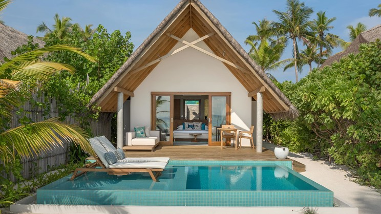 1/11  Fushifaru Resort - Maldives