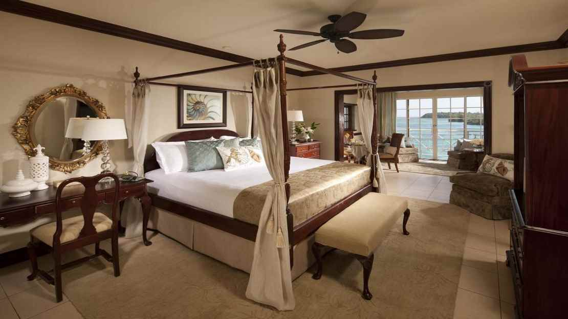 Royal Monarch Oceanfront Butler Suite
